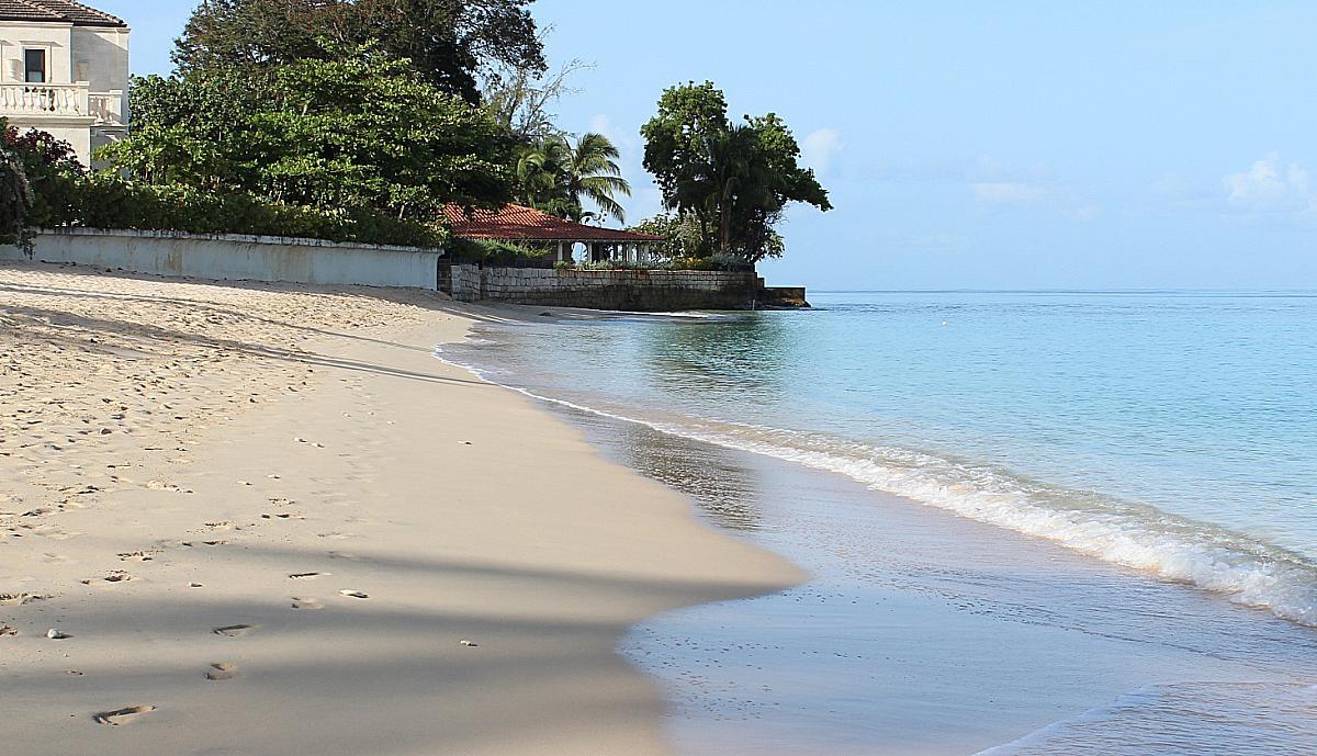Beachfront villas in Barbados