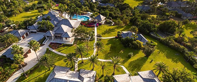 Cove Spring House provides the ultimate in luxury villa living in Barbados. Cove Spring House is a magnificent 10 bedroom luxury villa. It is set in a fabulous ocean front location with views over the sparking Caribbean Sea. Not only is this stunning property on the beach it is also close to all the amenities of Holetown. Cove Spring House is just a short drive from some of the best restaurants in Barbados. For those who want luxury in a fabulous beach front location look no further. The staff...